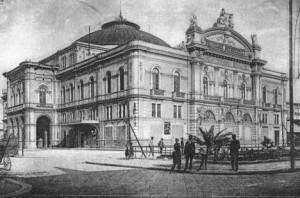 Teatro Petruzzelli esterno